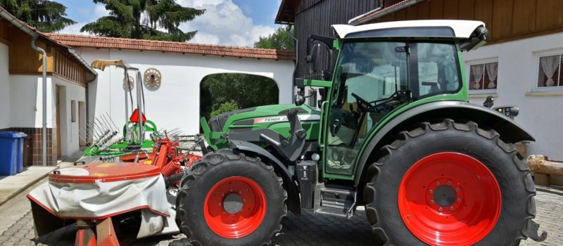 achatz-arber-ferienhof-bayerischer-wald-bauernhof-traktorfahren-1400