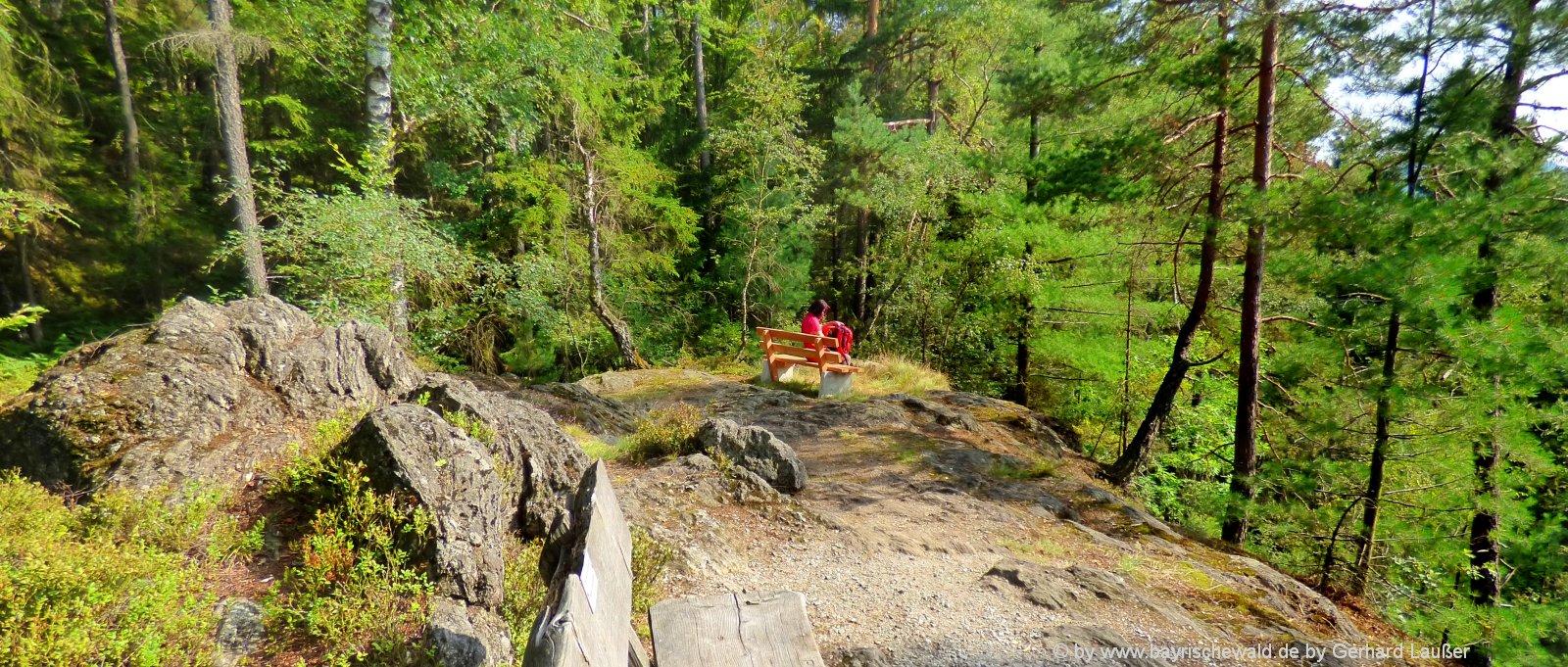 bayerischer-wald-ausflugsziele-rundwanderwege-rastplatz-freizeitangebote-panorama