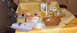 bayerischer-wald-hotels-pensionen-zimmer-frühstück