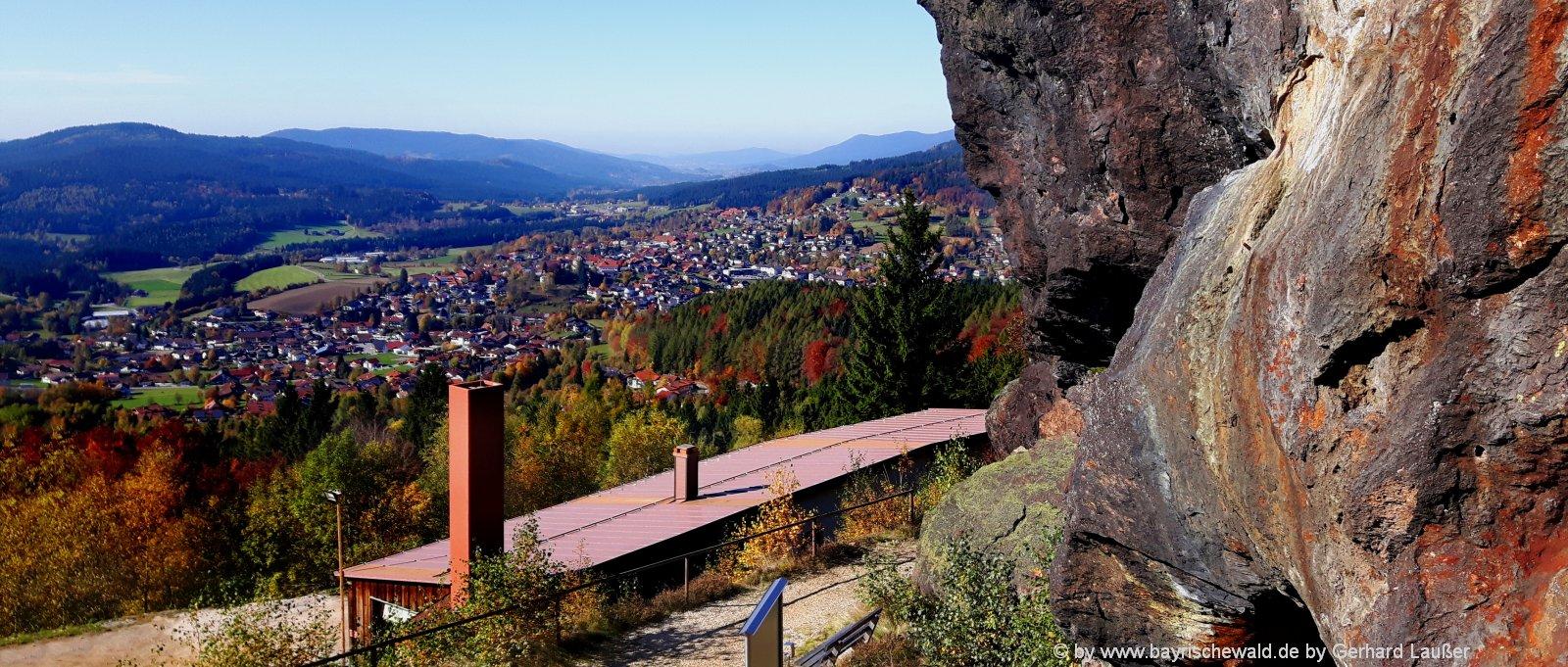 bayerischer-wald-sehenswürdigkeiten-highlights-silberberg-rundwanderwege-aussichtspunkt-felsen