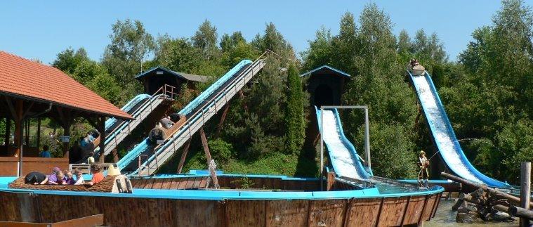 Freizeitpark in Bayern Wildwasserbahn im Bayernpark