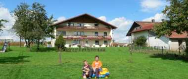 Ferienwohnungen im Bayerischen Wald Kinder spielen