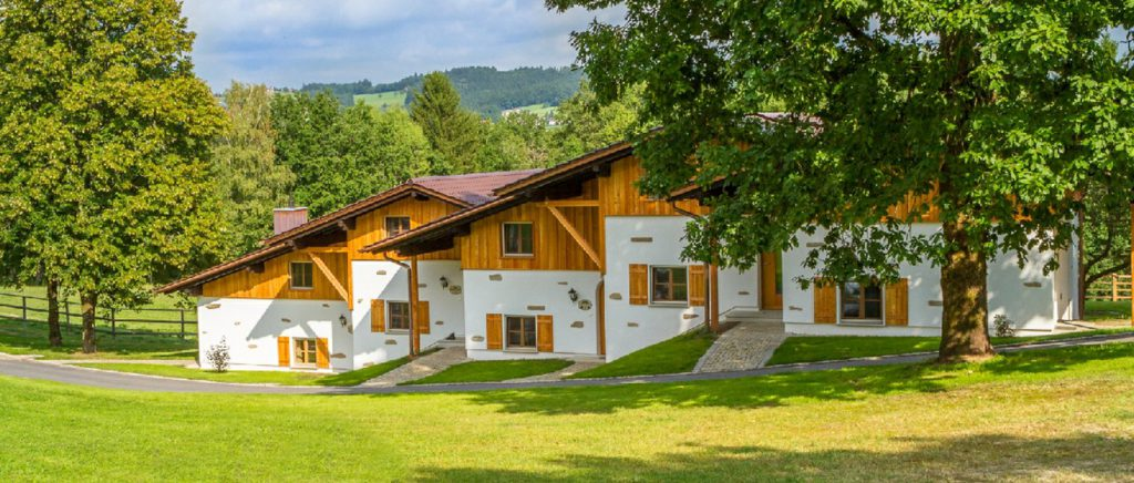 feuerschwendt-gutshof-bayerischer-wald-bungalow-mieten-urlaub-mit-hund-bayern