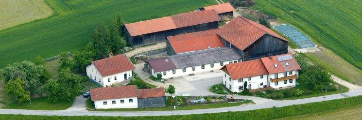 Familienferien auf dem Bauernhof Bayerischer Wald Luftbild