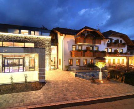 Hüttenhof Wellness Hotel für Aktivurlaub am Berg Haidel