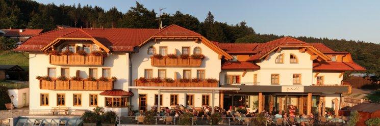 Hotel Hüttenhof in Grainet Bayerischer Wald Ansicht