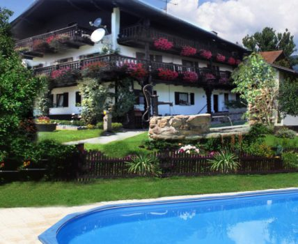 Pension Landhaus Jakob Ferienwohnung mit Pool