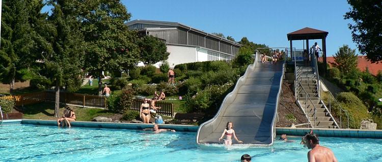 Ausflugsziele für Kinder Freizeitangebote Karoli Badepark