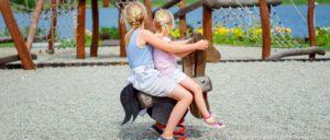 kinderfreundliche-unterkunft-bayerischer-wald-familienurlaub-kinderspielplatz