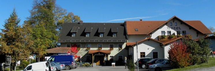 Hotel mit Biergarten und bayerischem Gasthof bei Regensburg Ansicht