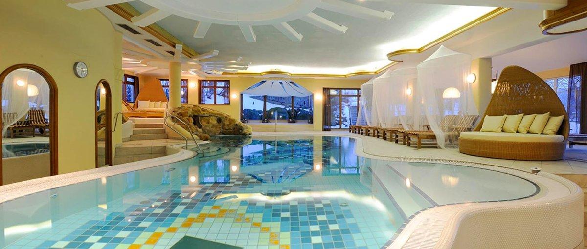 lindenwirt-drachselsried-wellnesshotel-bodenmais-schwimmbad-hallenbad