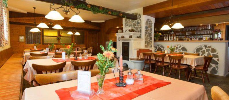 neuhof-wellnesshotel-niederbayern-restaurant-essen-1200