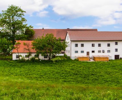 Bauernhof Guthof große, ebenerdige Ferienwohnung