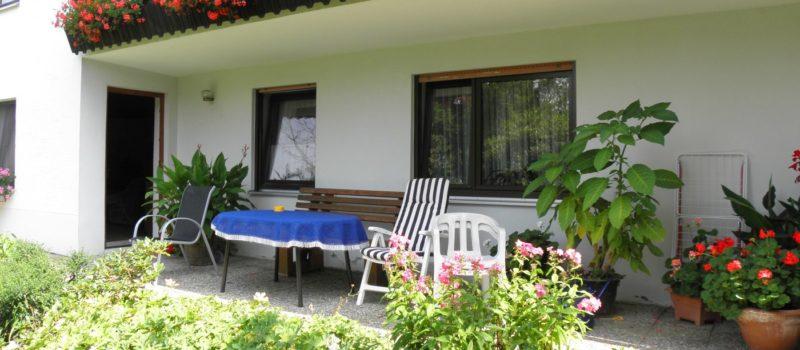 sieber-urlaub-unterkunft-regensburg-ferienwohnung-gartenterrasse-1400