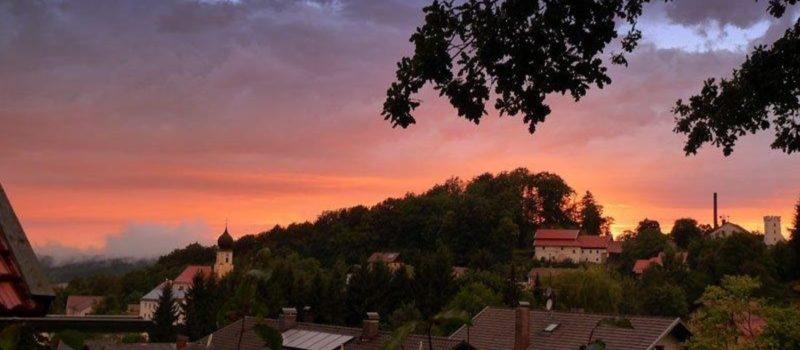 stocker-bayerischer-wald-erholungsurlaub-romantikurlaub-sonnenuntergang
